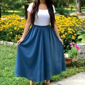 Julia's Midi Skirt